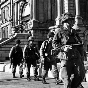 Armée devant le Parlement