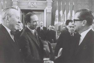 Leister B Pearson, P.-E. Trudeau et Daniel Johnson