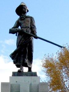 Statue de Madeleine de Verchères