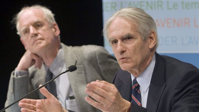 Charles Taylor (à gauche) et Gérard Bouchard (à droite)