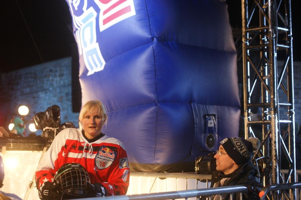 Changement de discipline pour Anaïs Morand: les lames de patinage artistique ne sont pas les mêmes que pour la descente sur glace !