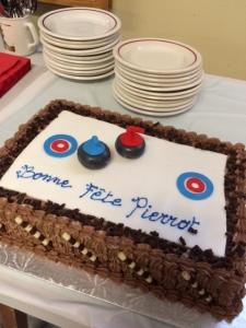 Un gâteau d'anniversaire de circonstance